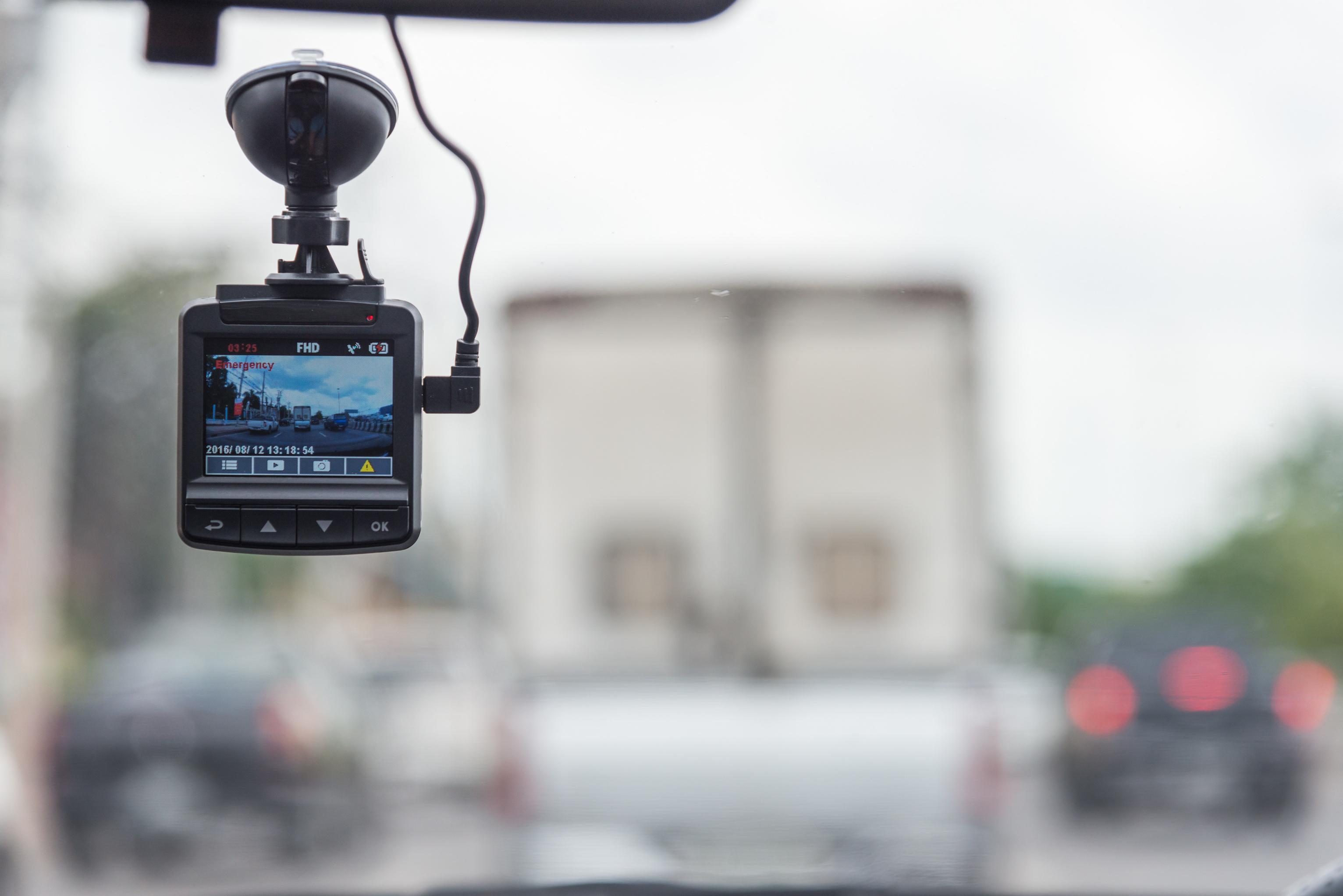 4f85531beb Wi-Fi対応、スマホと連携できるドライブレコーダー9選 | SmartDrive Magazine