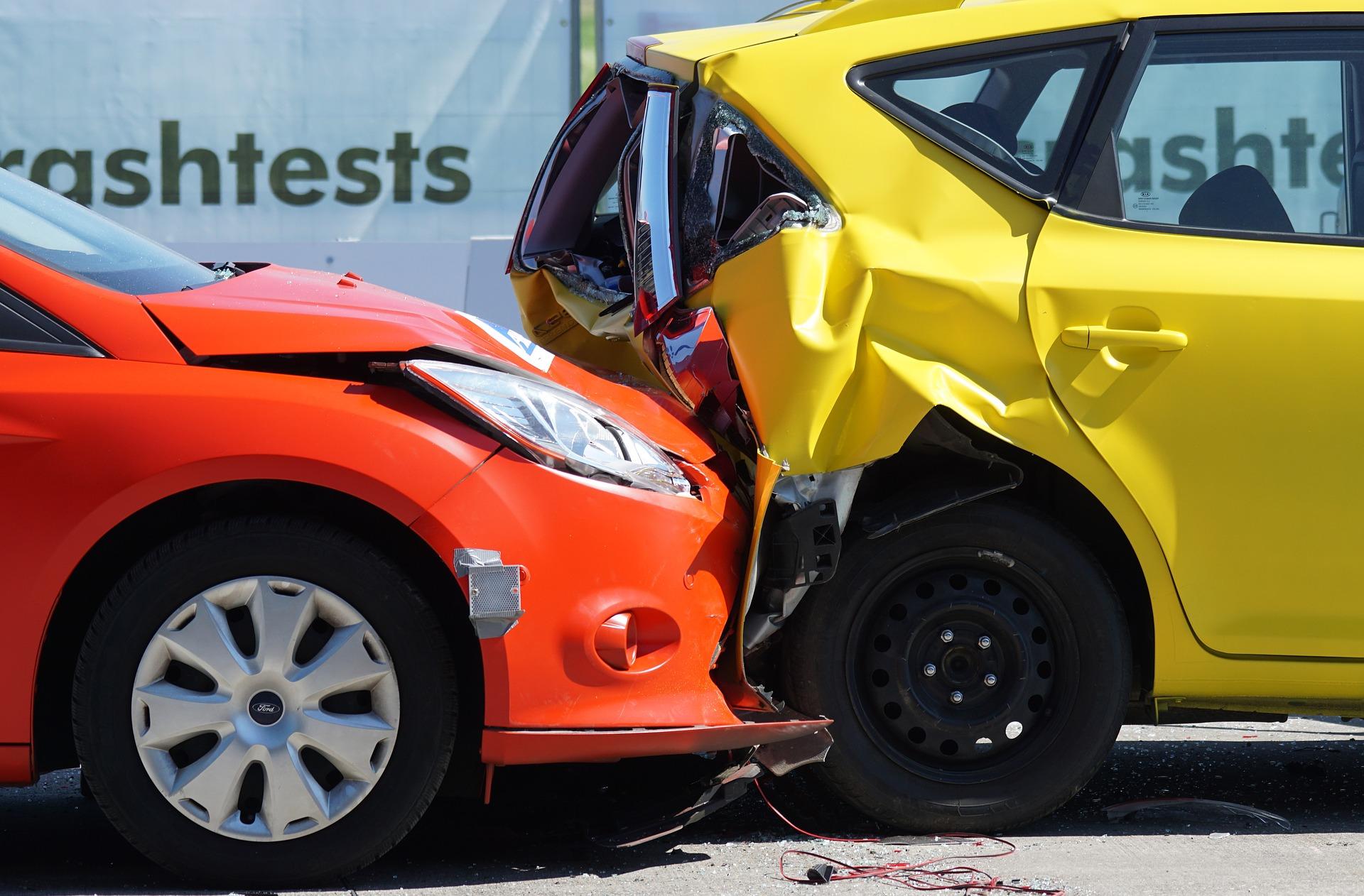 法人名義で契約できる通販型自動車保険とは —— 特徴とサービス比較