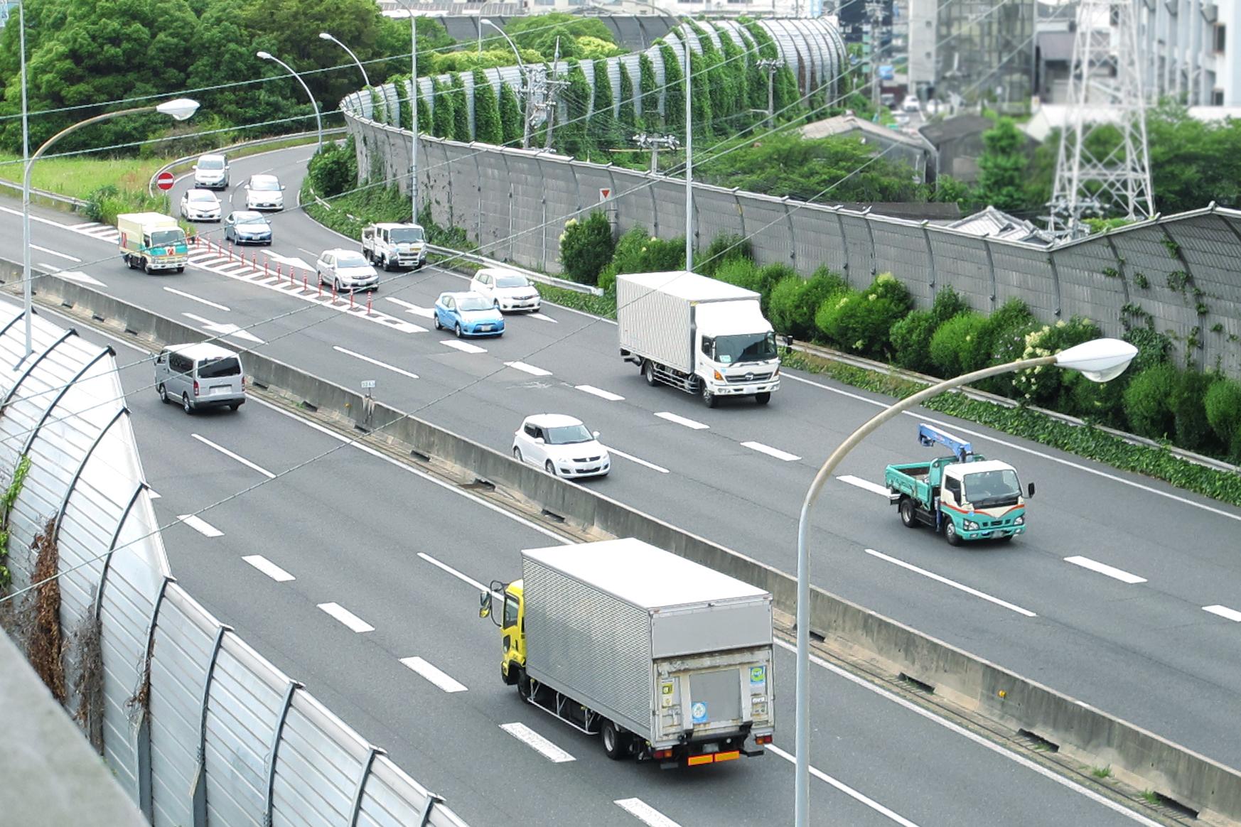 GPSで車の位置情報をリアルタイムに追跡できるサービスまとめ