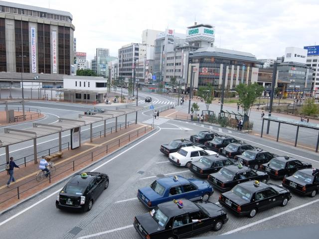 コロナの影響で売上が減少するなかで、軽貨物事業者やタクシー業界はどう対応すべきか
